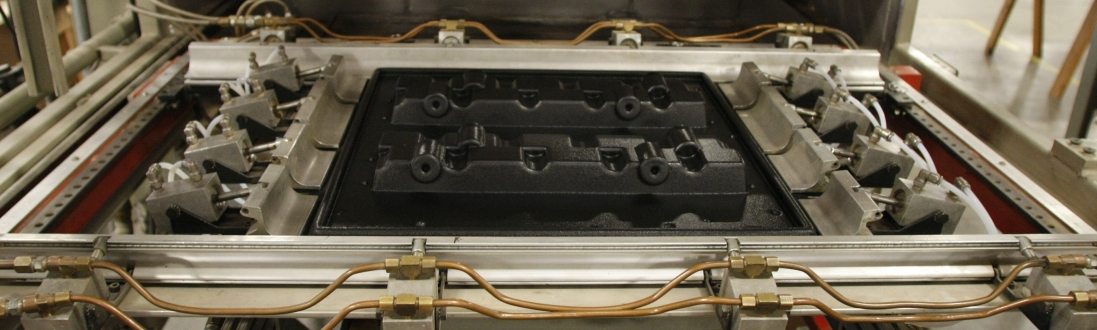 vacuum forming in thermoforming